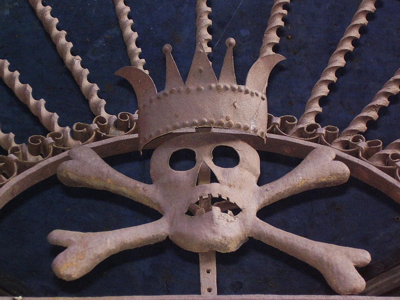 Napoli, trovato scheletro di un secolo fa