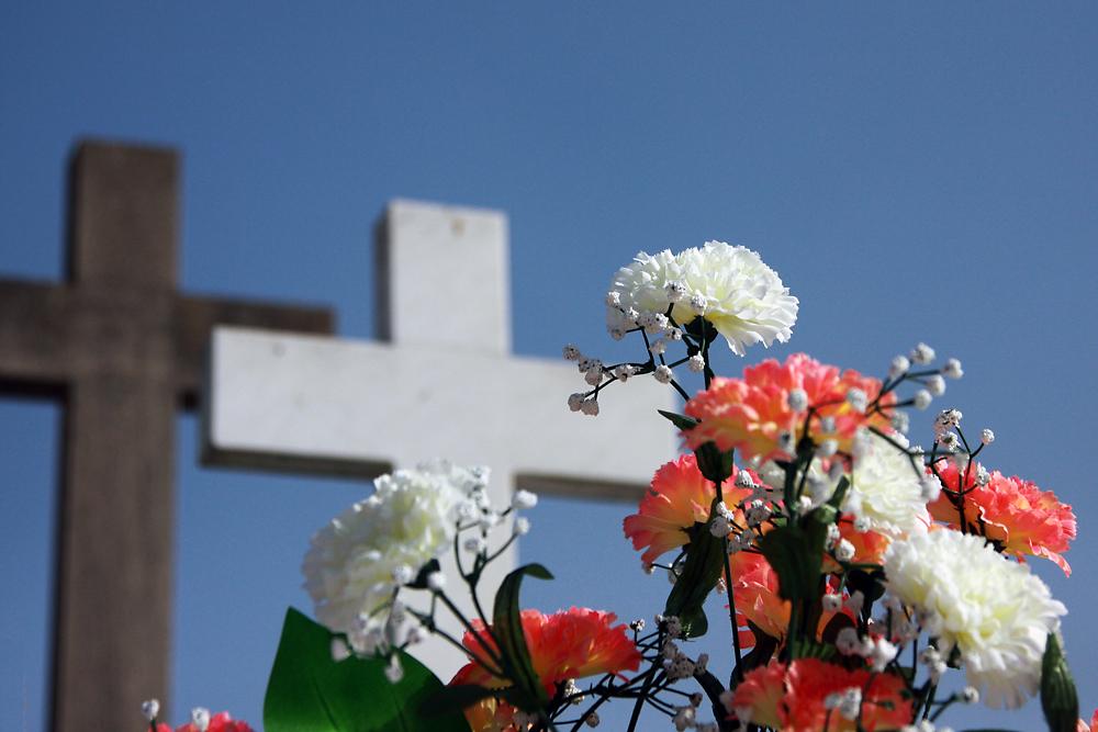 Sardegna, autobus annunci pubblicitari funerali low cost