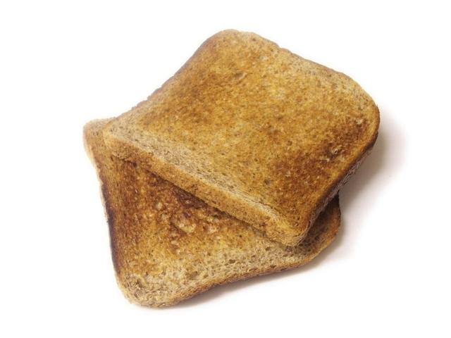 Intestino perforato da un toast: muore 75enne inglese