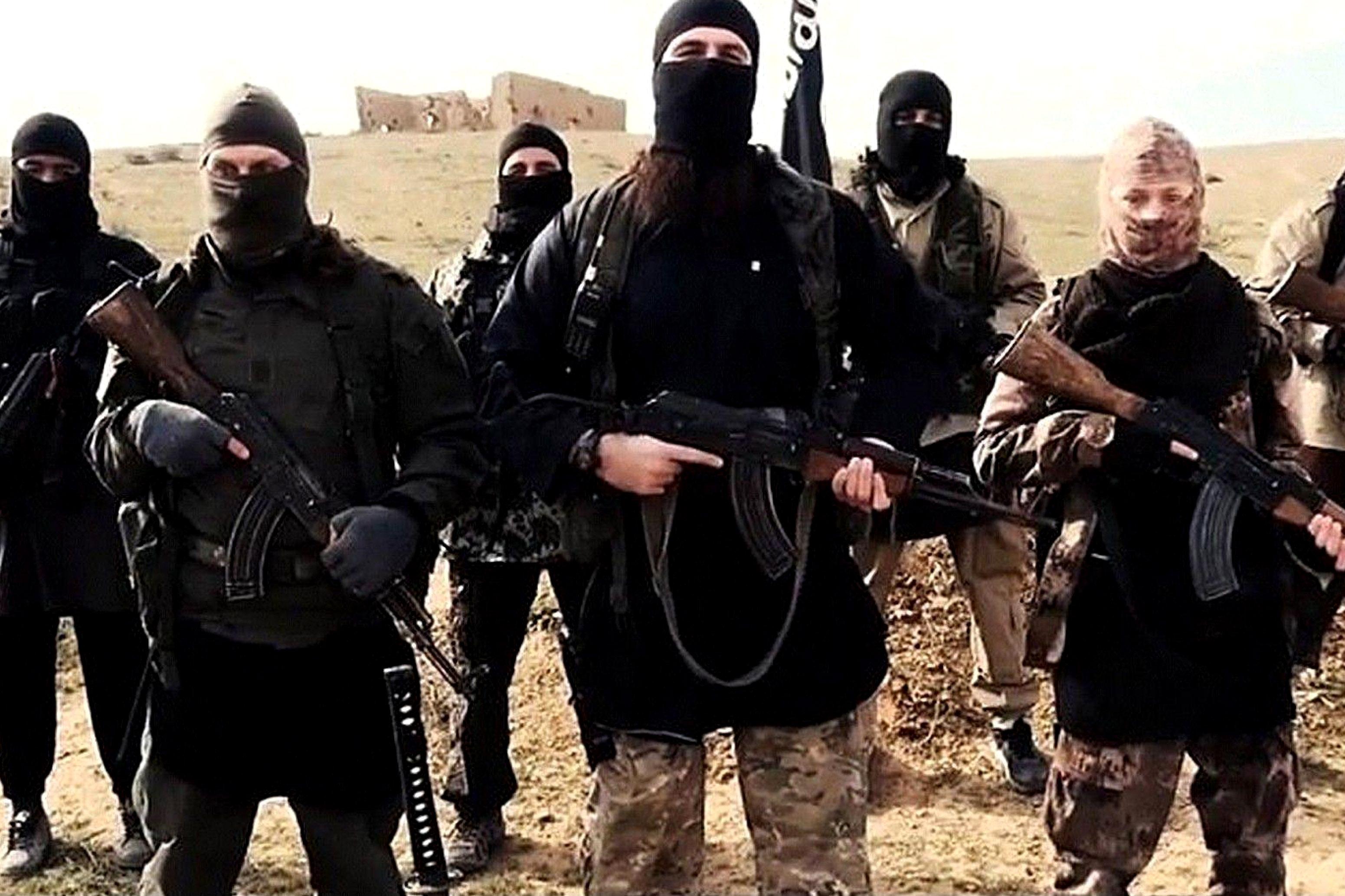 Scappa per unirsi all' Isis e muore massacrata di botte