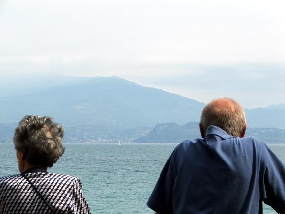 Torino, pensionato uccide la moglie e tenta il suicidio